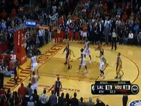 Lakers Guard Steve Blake Makes Game-Winner After Dwight Howard Misses Free Throw