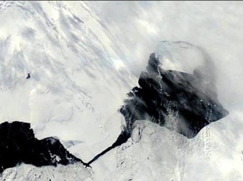 Singapore-Sized Iceberg Breaks Off Antarctica, Now Adrift