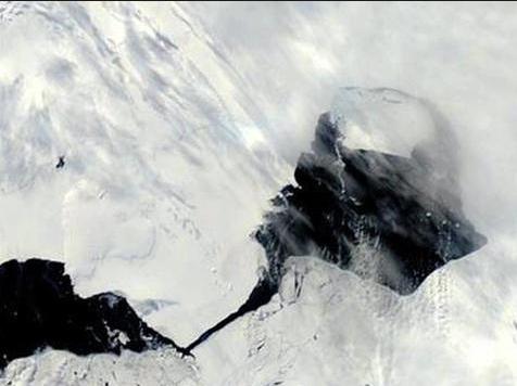 Singapore-Sized Iceberg Breaks Off Antarctica, Now Adrift