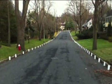 NJ Mayor Personally Asks Family to Take Down 'Offensive' Christmas Decorations