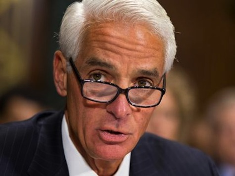 Charlie Crist Gets a 'D' from the NRA, $100,000 from Gabby Giffords