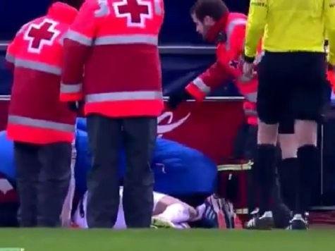 Cristiano Ronaldo Hit By a Lighter Thrown By a Fan