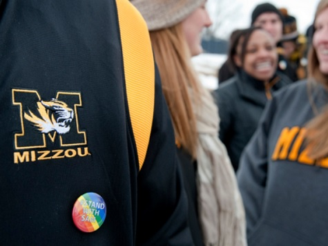 Missouri Students Form Human Wall to Block Westboro Baptist Church in Honor of Michael Sam