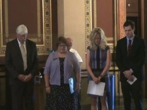 Iowa Democrats Pray for Abortion Rights