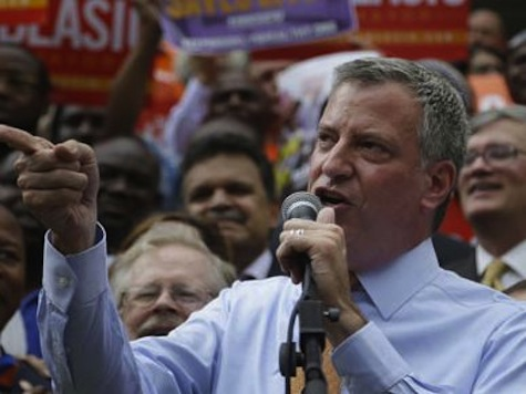 Local News Catches de Blasio's Caravan Speeding, Violating Traffic Laws Days After His Safety Traffic Plan