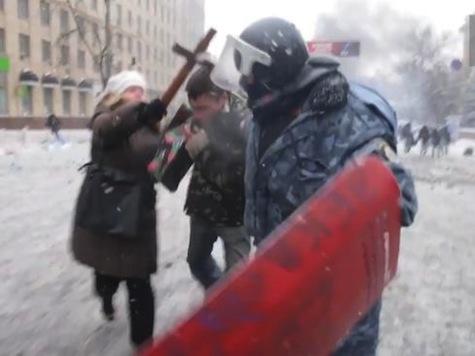 Ukraine Burning: Powerful Video of the Revolution