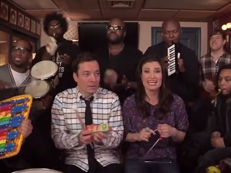 Jimmy Fallon, Idina Menzel and The Roots Perform 'Let It Go' from 'Frozen' with Classroom Instruments