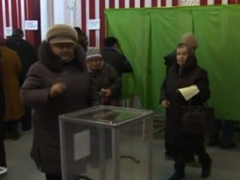 Ukraine Voters Flock to Polls as Crimea Holds Referendum