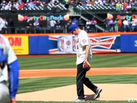 NYC Mayor De Blasio Booed Throwing Out Mets Opening Pitch