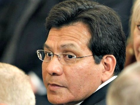 Alberto Gonzales: Pass Immigration Bill to Find out How Obama Will Enforce It