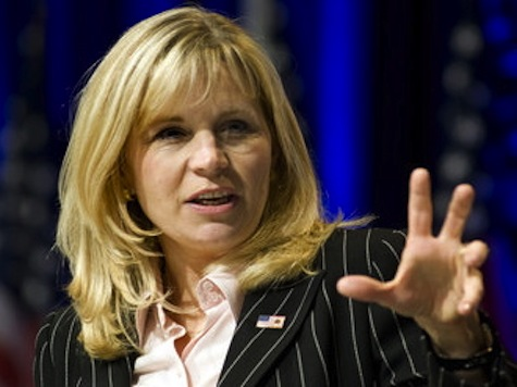 Liz Cheney: If You're Hanging with the Clintons, It's Going to Be a Circus