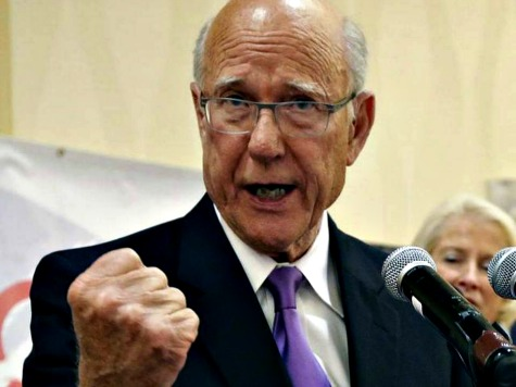 Sen Pat Roberts: I'm 'Convinced' Valerie Jarrett Tied to IRS Scandal