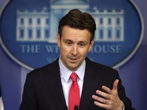 WH: Not Having Ebola Travel Ban Keeps Americans Safer