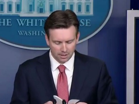 WH: We Weren't Looking for an Ebola Expert to be Czar