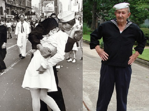 WWII Sailor Famous for Times Square Kiss Dies in Dallas