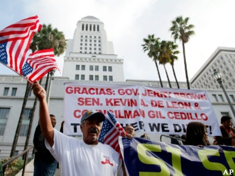 California Immigration Holds, Deportations Drop Under 'Trust Act'
