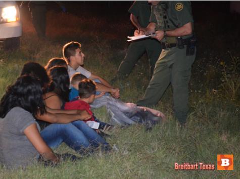 EXCLUSIVE PHOTOS: Foreign Children Captured at Border
