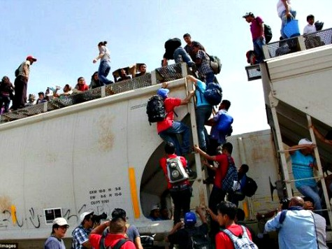 Border Crisis Poll: 64% of Hispanics Back Deportations