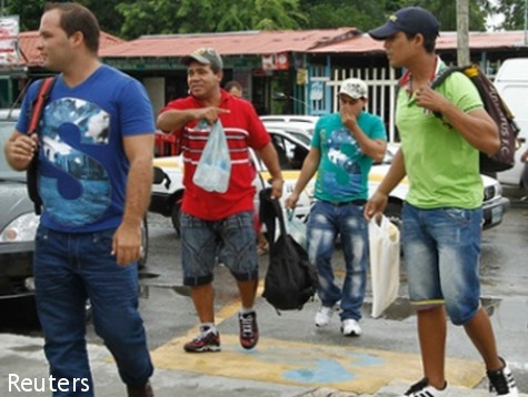 Mexico Releases Cubans on Way to US Border