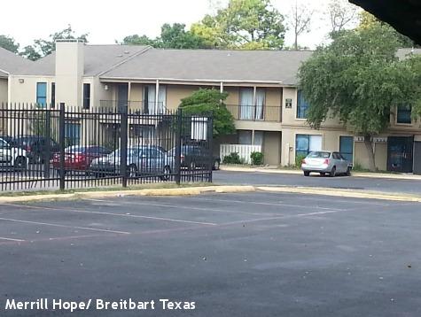 HAZMAT Team Arrives to Decontaminate Dallas Ebola Apartment