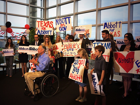 Abbott Rallies Supporters to Get Out the Vote Despite Rain Forecast