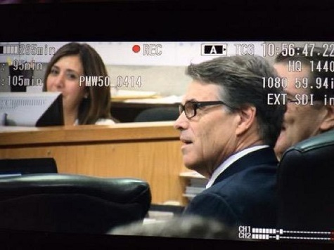 Gov. Perry Attends First Pretrial Hearing in His Criminal Case