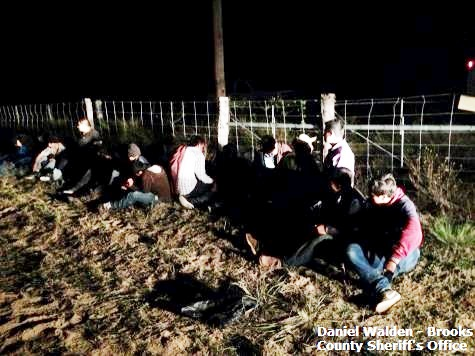 Texas Deputies Help Capture 25 Illegal Immigrants — Including Unaccompanied 15-Yr-Old Girl
