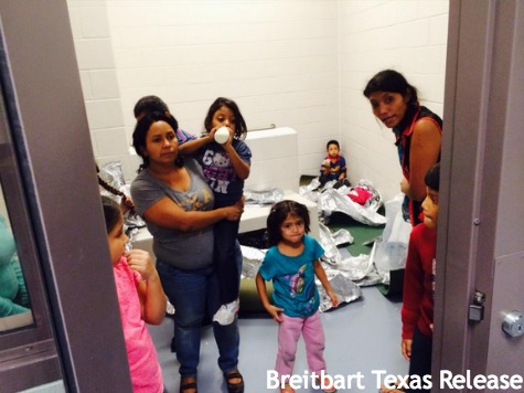 300 Illegal Immigrant Children, Families to Be Flown from Texas to San Diego