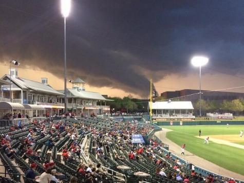Minor League Fans in Texas Unfazed by Approaching Tornado Before Postponement