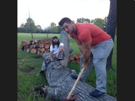 Tim Tebow, Duck Dynasty Families Chop Wood on Easter