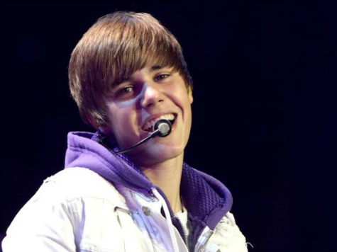 Disabled Teen Girl Tricked By 40-Year-Old Man Pretending To Be Justin Bieber