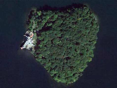 Angelina Buys Brad Heart Shaped Island for His 50th
