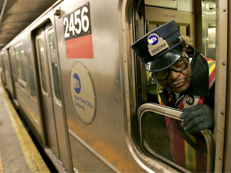 Teen Girl Mistimes Subway Suicide Leap, Hits Side of Train