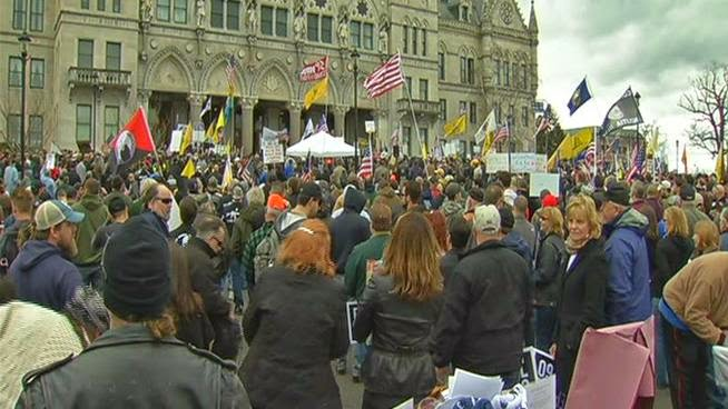 Thousands of 2nd Amendment Rights Supporters Attend Rally at CT State Capitol