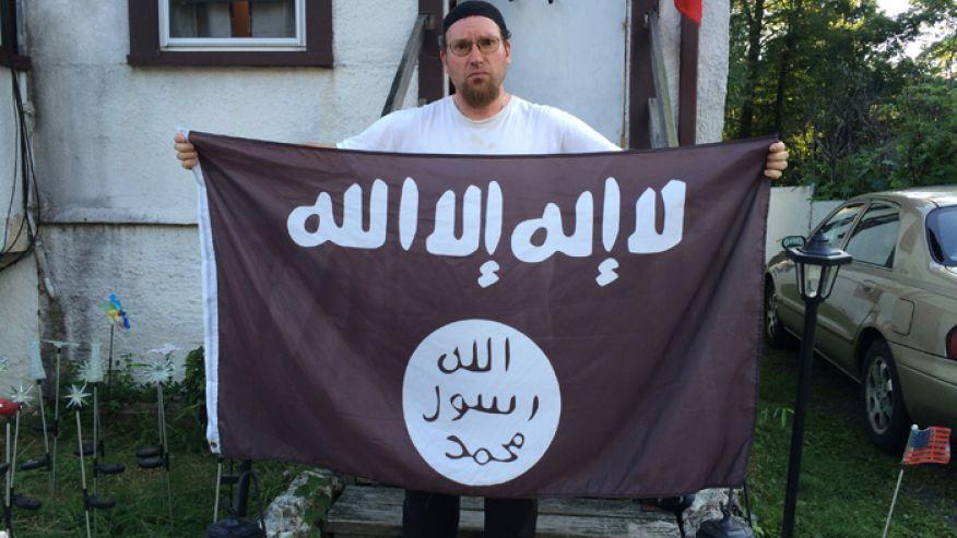 NJ Man Takes Down ISIS Flag – Claims He Had No Idea It Was Jihadi Flag