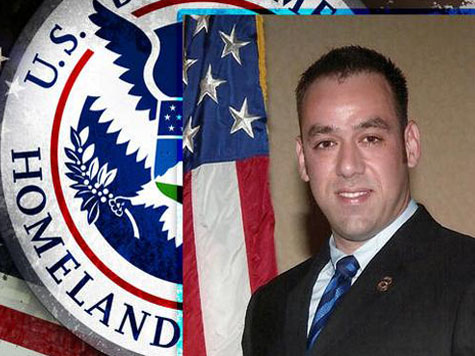 Credit Where It's Due: AC 360 Talks ICE Agent Jaime Zapata