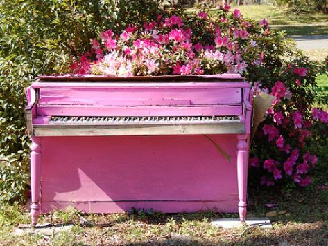 Bankrupt LA Provides 30 Free Pianos Throughout City